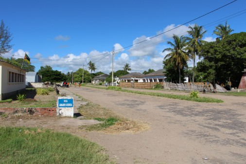 Main avenue in Chinde