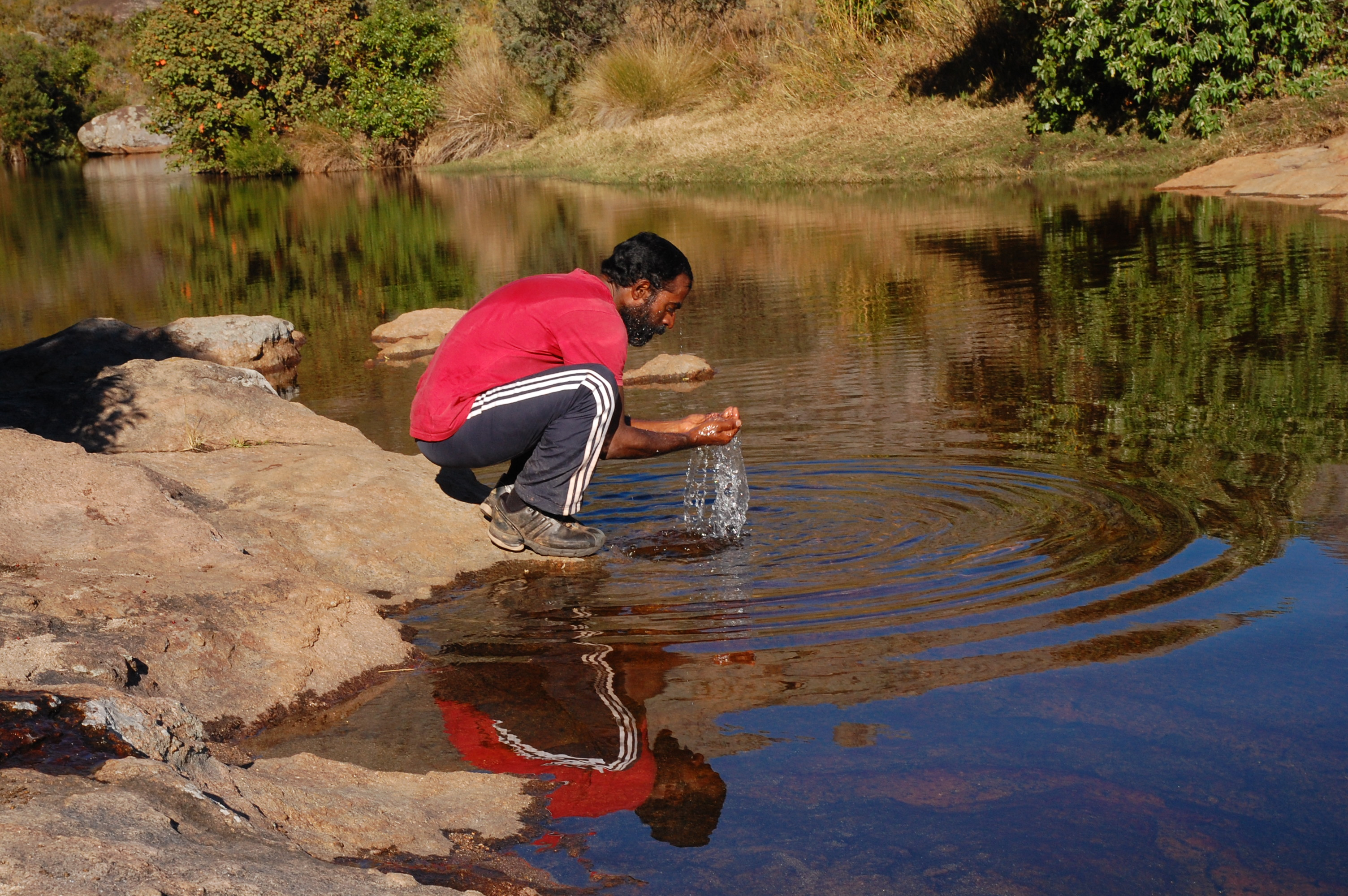 Drinking water from Antaranoombi river